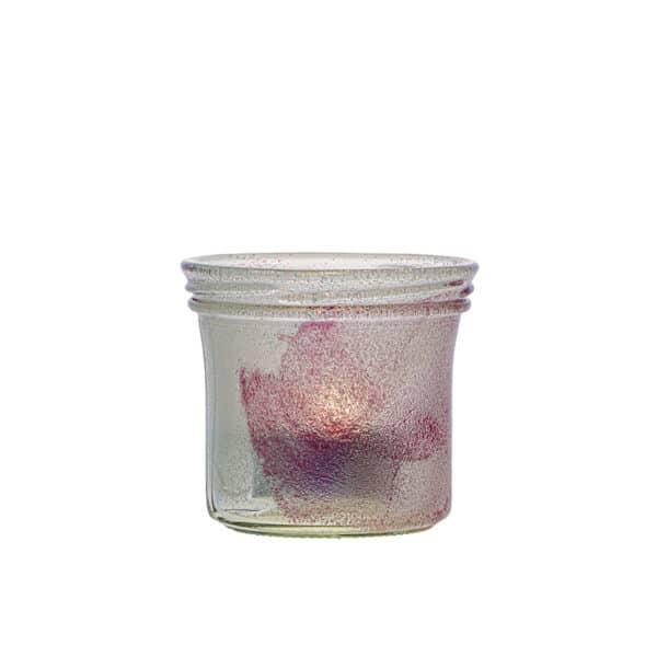 Ljuslykta gjord av en senapsburk med vit och rosa färg